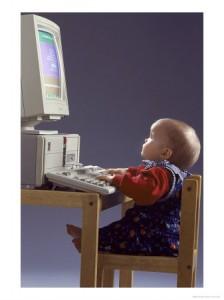 Bebê prestes a comprar seu primeiro mico
