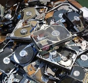 Meus registros... ódio. Ódio! Ódio ÓDIO ÓDIO!!!!!! Aahhhhhhhhhhhhh!!